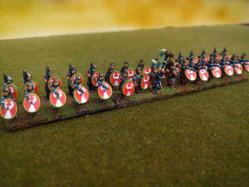 10mm Late Roman armored infantry holding spear over shield