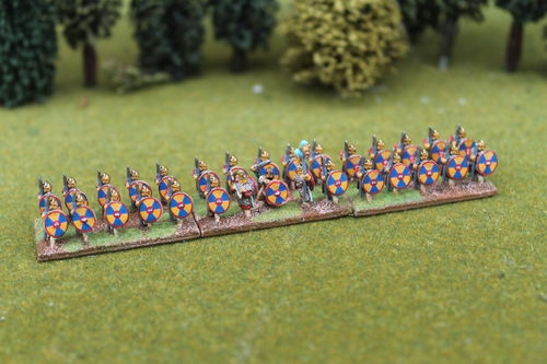 10mm Late Roman armored infantry holding spear at rest