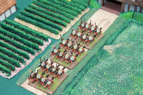10mm Late Roman armored heavy cavalry holding lance overhead