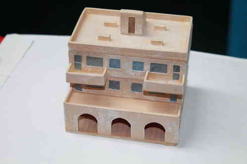 15mm  middle eastern building with shops and 2 floor apartments
